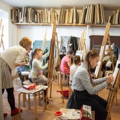 Занятия по живописи для детей в Пушкине.